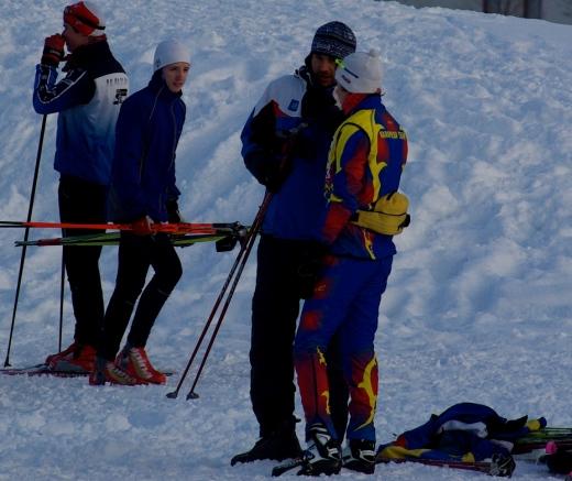 Andrus Veerpalu pojale enne starti näpunäiteid jagamas. Foto:Skierpost.com
