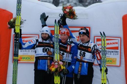 Andrus Veerpalu ja Jaak Mae loodavad 50 km-i ühisstardile. Foto:Skierpost.com