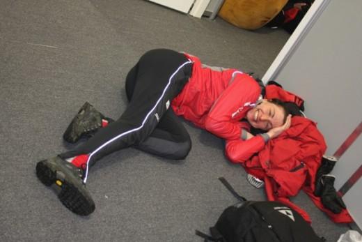 Justyna puhkamas enne võistlust. Foto:Eesti Suusaliit